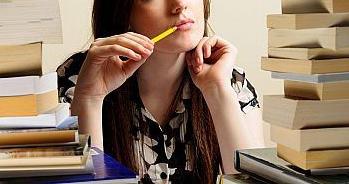 どのくらいの勉強時間を費やせば、英語は話せるようになるのか?英会話が上達するまでの時間