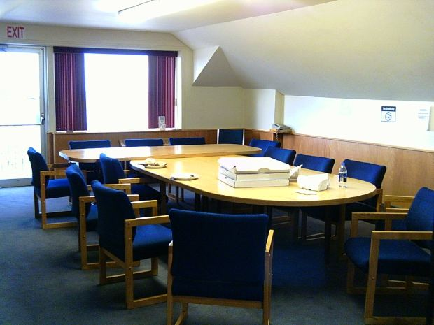ビジネス英語で交渉する際に使うフレーズ紹介:会議で賛成するフレーズ・反対するフレーズ