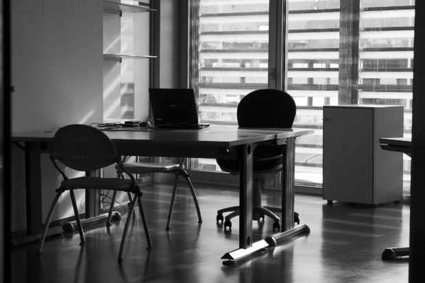 英語圏のビジネスのシーンでよく使われるビジネス英語のイディオム・句動詞について紹介:パート3