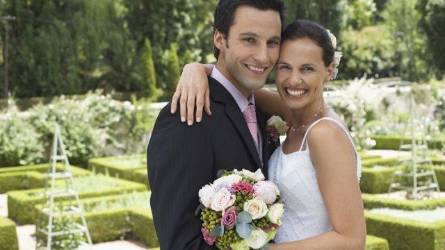 weddingとmarriageの違いとは? 「結婚」や「結婚式」は英語で何と言う?