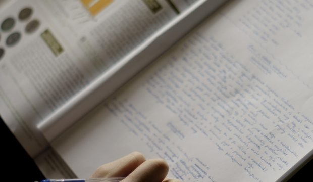 StudyとLearnの違いと使い分け・正しい使い方
