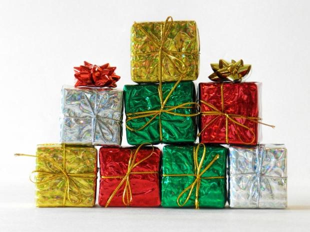 ネイティブと英会話する際に覚えておきたい:「present」と「gift」の違いと使い方、ニュアンスについて