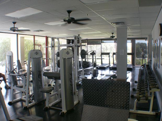 「work out」、「workout」は英語でどういう意味なのでしょうか?「筋トレ」の英語の言い方を教えます!