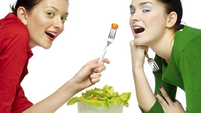 英語で「お腹が空いた」,「腹が減った」は「hungry」だけじゃない?! ネイティブは何という?