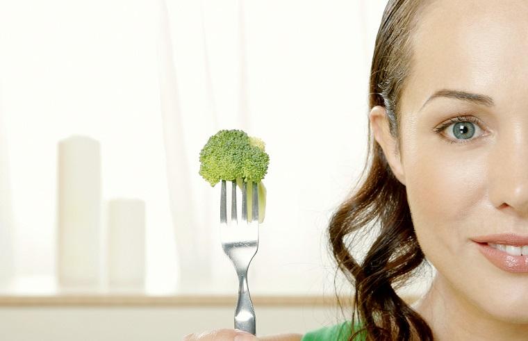 飢えているくらい「お腹すいた」という意味の英語「ravenous」の使い方