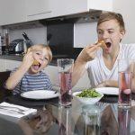 英語で「お腹が空いた」は「hungry」だけじゃない?!英語ネイティブが日常的に使う表現とは?