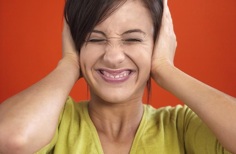 「しゃっくり」,「げっぷ」,「お腹が鳴る」は英語で何と言う?