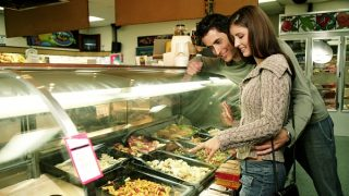 英語で「お惣菜」,「おつまみ」,「おかず」は何と言うのでしょうか?