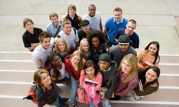 「student」や「pupil」,「trainee」はどう違いますか? 各単語の使い分けやニュアンスを紹介