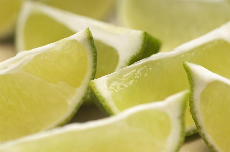 緑系の色として「ライムグリーン(lime green)」の使い方