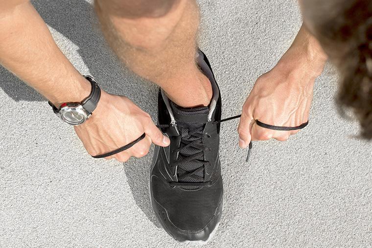 「スニーカー」という意味になる英語「trainers」の使い方