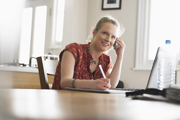 英語で「電話をかける」という際の「call」の意味と使い方・ニュアンス