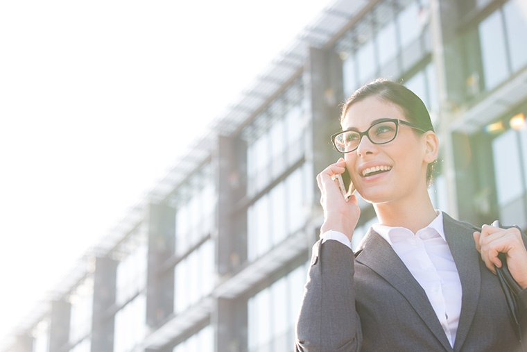 英語で「電話を掛ける・電話する」という意味の「phone」という言い方